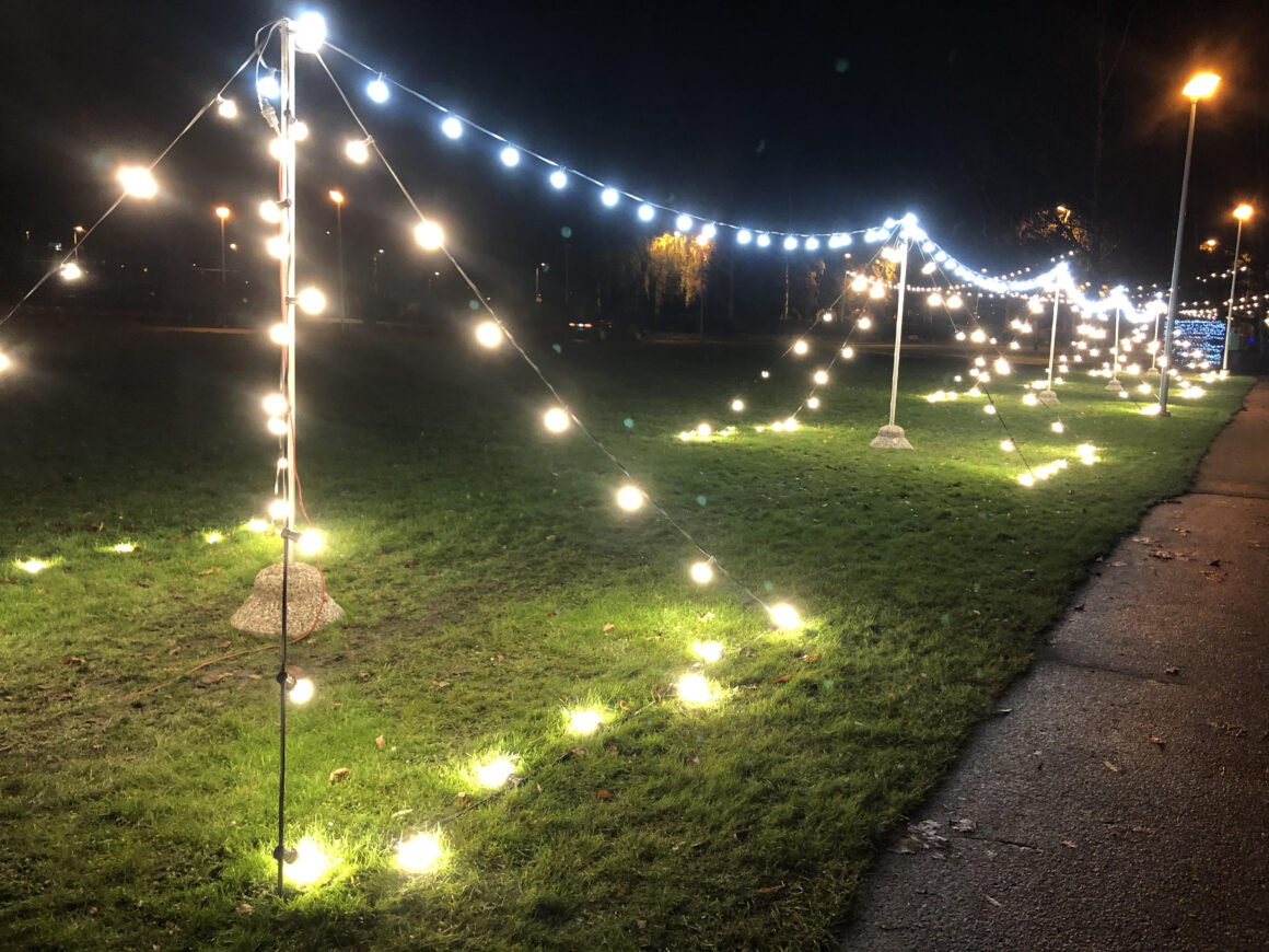 Jouluvaloja Laulukentällä
